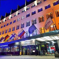 hotel central facade small